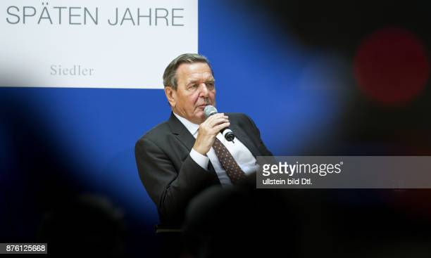 Former German Chancellor Gerhard Schroeder presents the book 'Helmut Schmidt The late years' in the Willy Brandt House Berlin on 29 September 2016