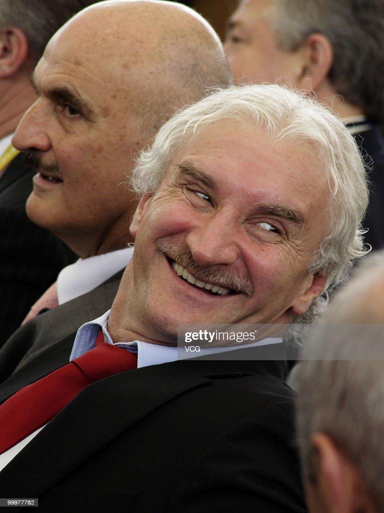 Rudi Voller Visits Shanghai World Expo