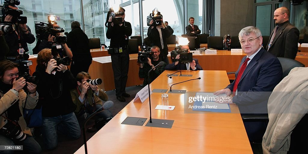 Former German Foreign Minister Joschka Fischer attends an opening session of Bundestag hearings on Germany's Iraq war involvement and related intelligence issues at Maria-Elisabeth-Lueders House on December 14, 2006 in Berlin, Germany. Fischer will testify at the inquiry into Germany's past and present government's known intelligence service activities that may have broken German law after the 2001 terror attacks. The lower house of parliament will question the alleged abduction of Khaled el-Masri, a German of Lebanese origin, by the U.S. Central Intelligence Agency (CIN) to discover when the government found out about it.