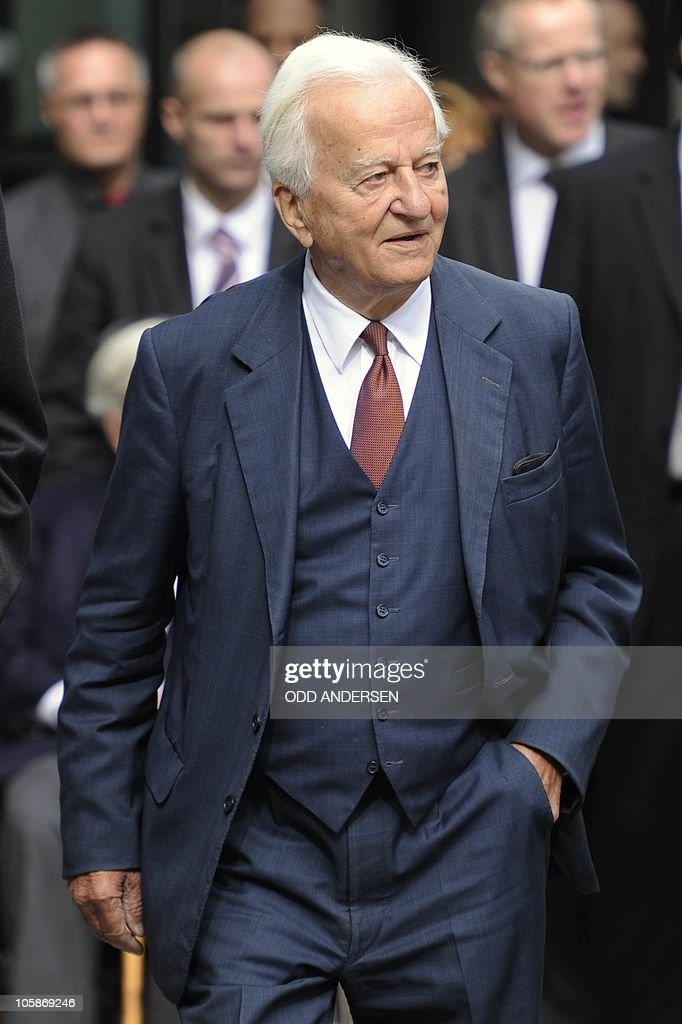 Former German President Richard von Weizsacker is pictured outside the German publishing house Axel Springer Verlag in Berlin, September 29, 2010. Three bronze statues of former US President George Bush, former Soviet President Michail Gorbachev and former German Chancellor Helmut Kohl were unveiled in front of the Axel Springer headquarters near the former checkpoint Charlie along the site of the Berlin wall, some days ahead of the 20th anniversary of Germany's reunification on October 3. AFP PHOTO / ODD ANDERSEN