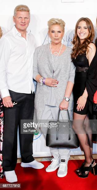 Former german soccer player Thomas Effenberg Claudia Effenberg and her daughter Lucia Strunz attend the Kempinski Fashion Dinner on May 23 2017 in...