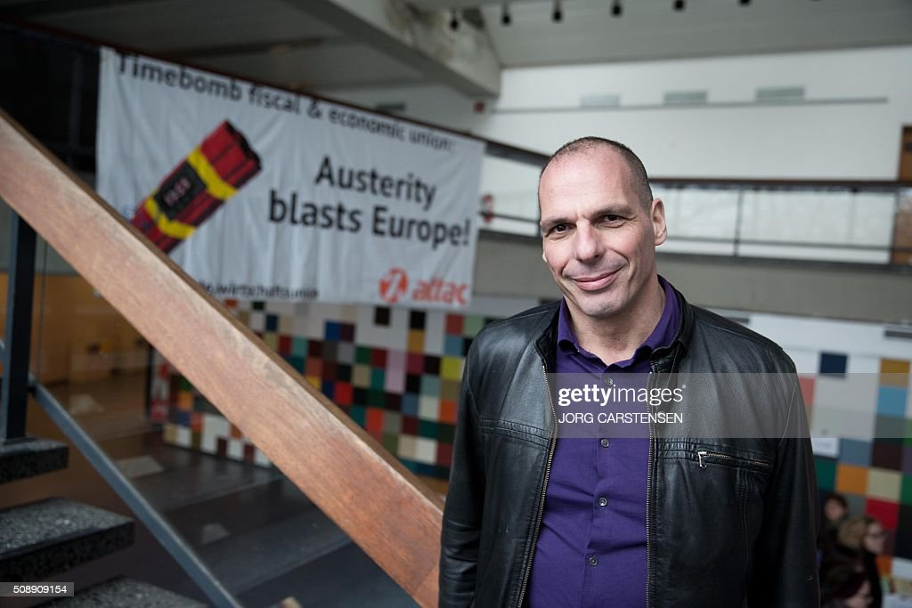 Former Greeek finance minister Yanis Varoufakis poses for a photo as he attends a meeting of the Blockupy movement in Berlin on February 7, 2016. / AFP / dpa / Jörg Carstensen / Germany OUT