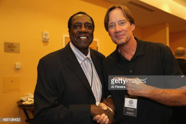 Former Harlem Globetrotter standout Meadowlark Lemon and Actor Kevin Sorbo attend the March Of Dimes celebrity casino party at Long Island Marriot on...