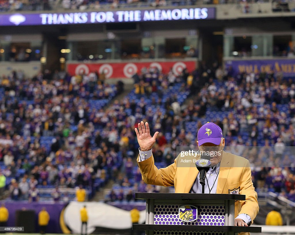 Former head coach <a gi-track='captionPersonalityLinkClicked' href=/galleries/search?phrase=Bud+Grant&family=editorial&specificpeople=2262355 ng-click='$event.stopPropagation()'>Bud Grant</a> speaks to the crowd during the ceremony celebrating the last game at the Metrodome on December 29, 2013 at Mall of America Field at the Hubert H. Humphrey Metrodome in Minneapolis, Minnesota.