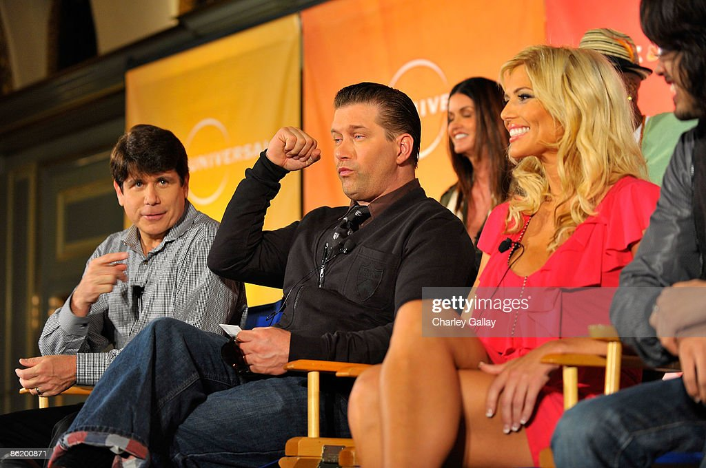 Former Illinois Gov Rod Blagojevich actor Stephen Baldwin model Janice Dickinson and wrestler Torrie Wilson attend a press conference for 'I'm a...
