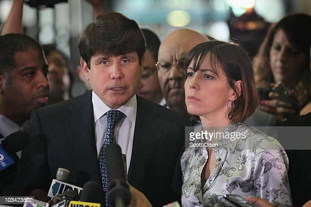 Former Illinois Governor Rod Blagojevich with his wife Patti speaks to the press following a verdict at his corruption trial August 17 2010 in...