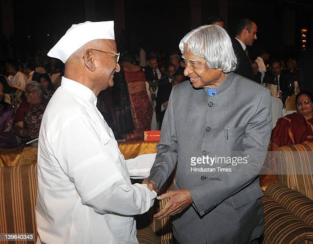 Former India President APJ Abdul Kalam and social activist Anna Hazare shake hands after both received the SR Jindal Prize on February 23 2012 in New...