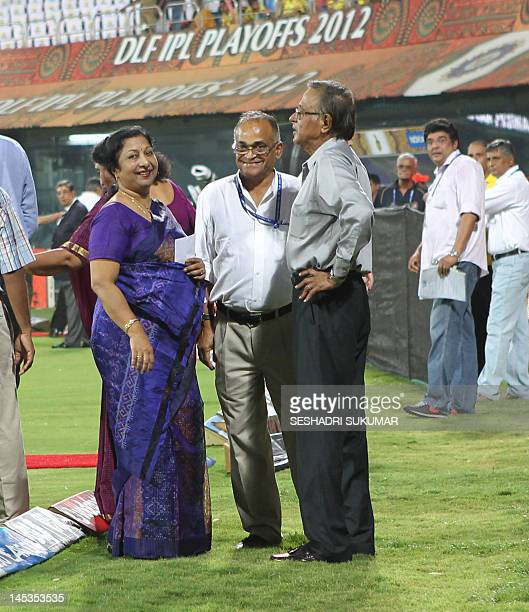 Former Indian Cricket Captain Umpire S Venkataraghavan stands next to his wife Ranjani Venkataraghavan while former cricketer Niranjan Shaw smiles...