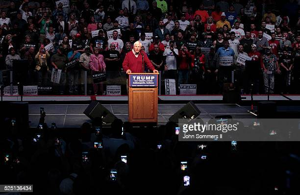 Former Indiana University basketball coach Bobby Knight talks about Republican presidential candidate Donald Trump during a campaign rally at the...