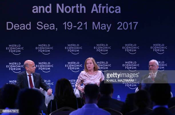 Former Israeli foreign minister Tzipi Livni and Senior Palestinian official Saeb Erekat attend the World Economic Forum held in the Dead Sea resort...
