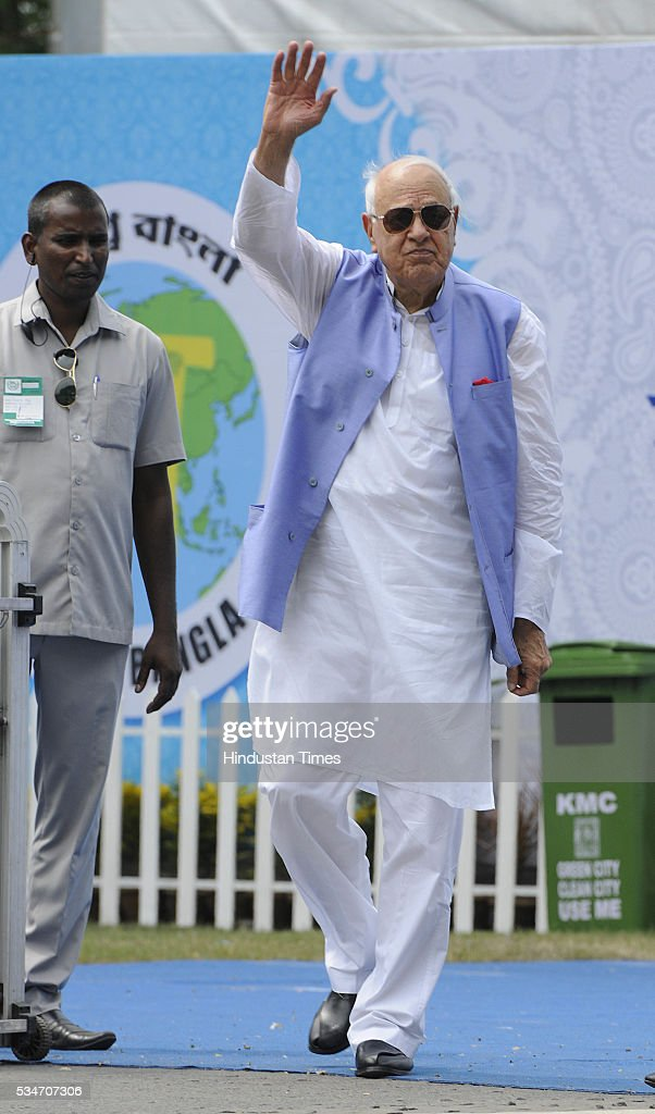 Former J&K Chief Minister and National Conference leader Farooq Abdullah during the oath taking ceremony of Mamata Banerjee as Chief Minister of West Bengal at Red Road on May 27, 2016 in Kolkata, India. Mamata Banerjee was sworn in on West Bengal's chief minister for a second term alongwith 41 ministers. The presence of prominent Non-BJP Non-Congress party leaders like Arvind Kejriwal, Nitish Kumar, Lalu Yadav, Akhilesh Yadav gave air to formation of major Anti-Modi block in 2019.