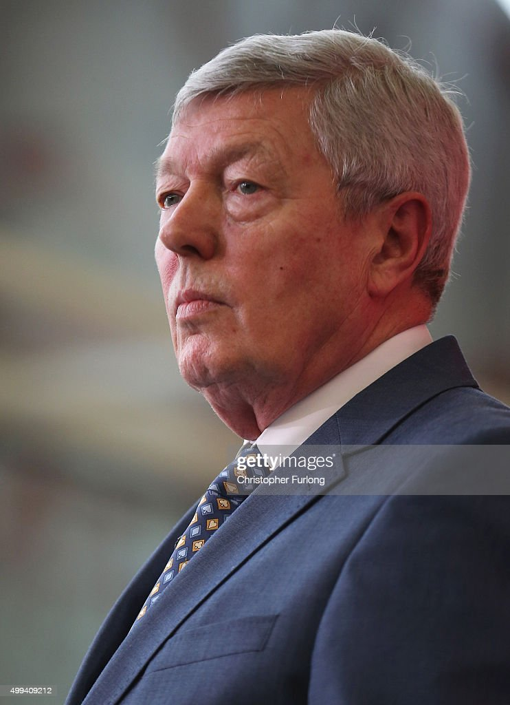 Former Labour Home Secretary Alan Johnson launches the 'Labour In For Britain' Campaign at - former-labour-home-secretary-alan-johnson-launches-the-labour-in-for-picture-id499409212