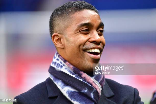 Former Lille player Franck Beria who now works as the liaison between the players and the staff during the Ligue 1 match between Paris Saint Germain...