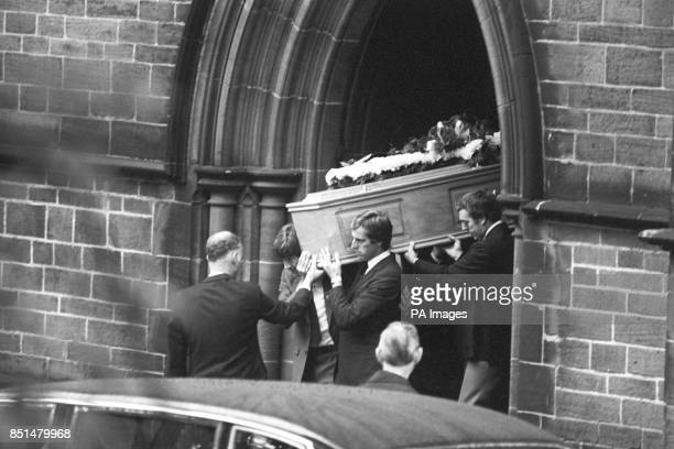 Former Liverpool players carry Bill Shankly's coffin from St Mary's Church From left Emlyn Hughes Ray Clemence Ian St John and Ron Yeats
