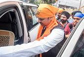 IND: Former Maharashtra Chief Minister Devendra Fadnavis Visits Gurudwara Dhan Pothohar Nagar In Mumbai