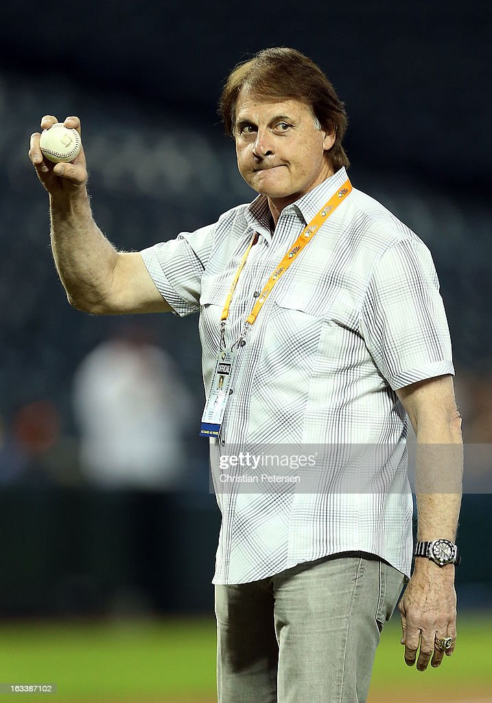 Former Major League Baseball manager and infielder, <a gi-track='captionPersonalityLinkClicked' href=/galleries/search?phrase=Tony+La+Russa&family=editorial&specificpeople=208187 ng-click='$event.stopPropagation()'>Tony La Russa</a> throws out the first pitch before the World Baseball Classic First Round Group D game between Italy and Canada at Chase Field on March 8, 2013 in Phoenix, Arizona.