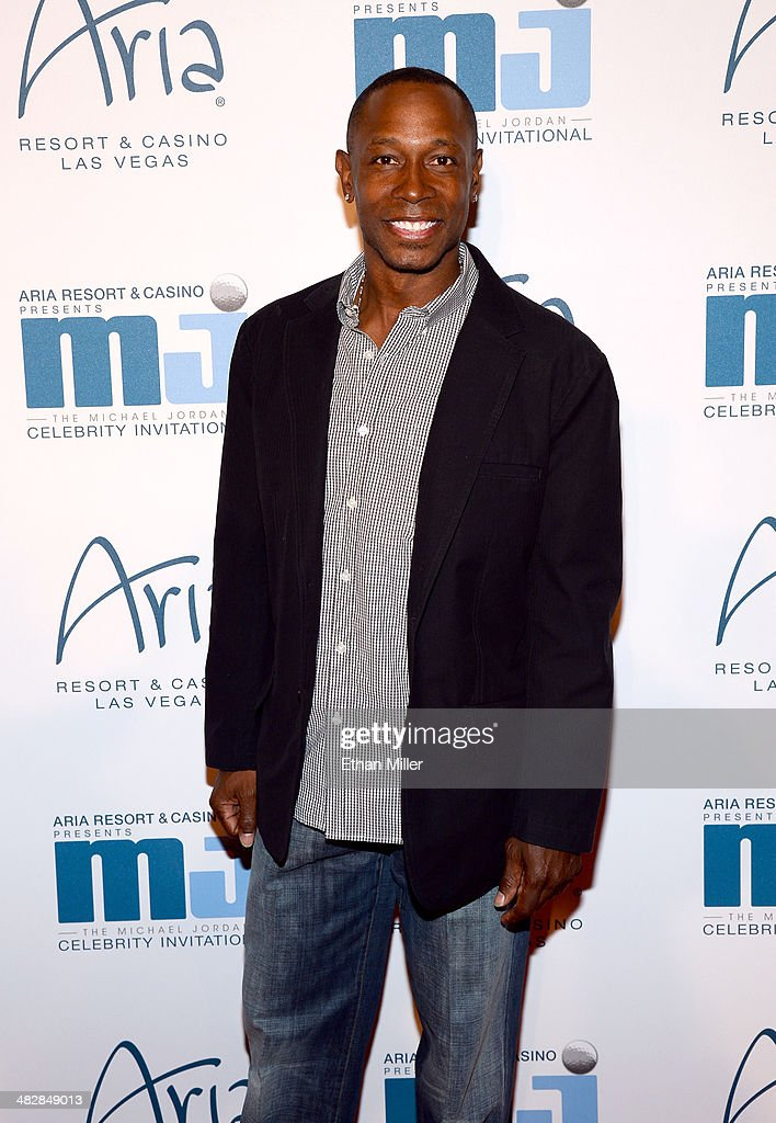 Former Major League Baseball player <a gi-track='captionPersonalityLinkClicked' href=/galleries/search?phrase=Kenny+Lofton&family=editorial&specificpeople=201979 ng-click='$event.stopPropagation()'>Kenny Lofton</a> arrives at the 13th annual Michael Jordan Celebrity Invitational gala at the ARIA Resort & Casino at CityCenter on April 4, 2014 in Las Vegas, Nevada.