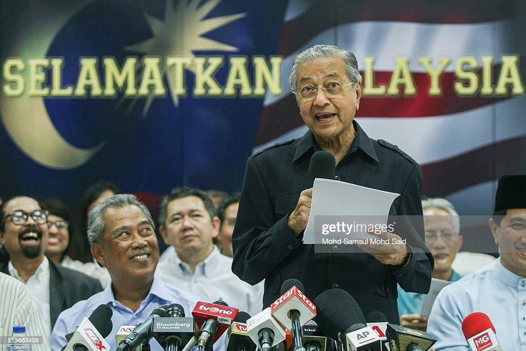 Malaysians Demand Removal Of Prime Minister Najib Razak