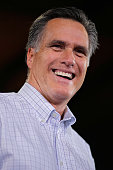 Former Massachusetts Governor and Republican presidential candidate Mitt Romney addresses a large audience at Centro Incorporated the largest custom...