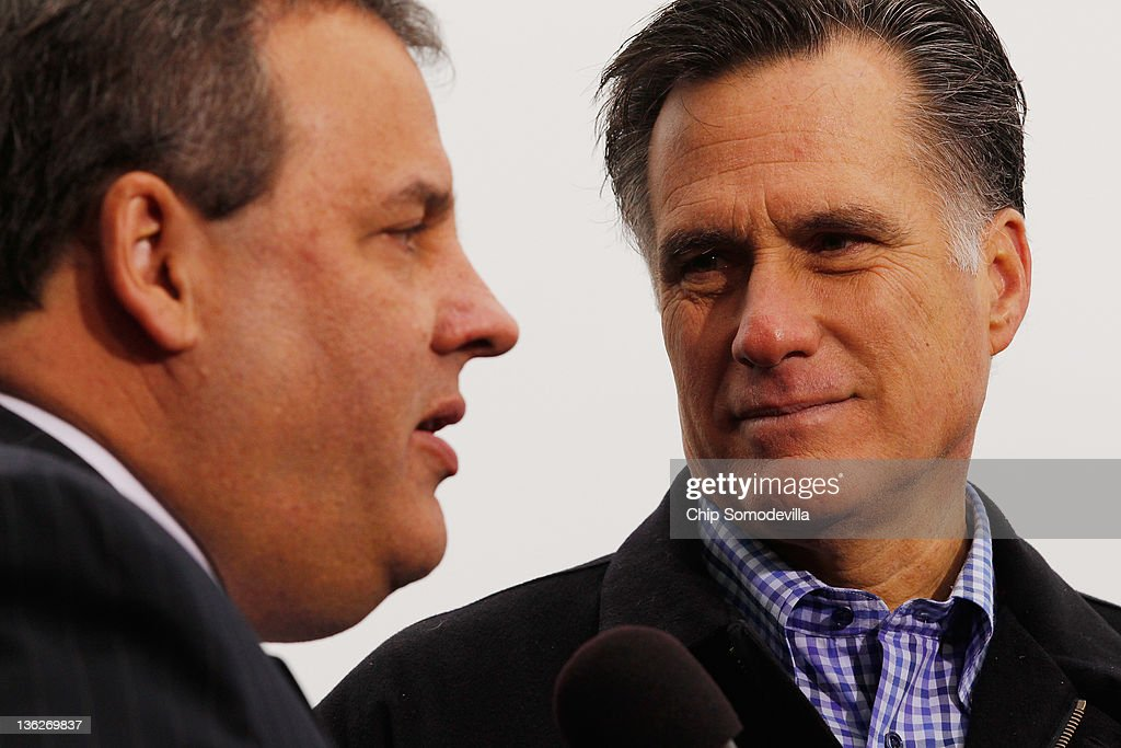 Former Massachusetts Governor and Republican presidential candidate <a gi-track='captionPersonalityLinkClicked' href=/galleries/search?phrase=Mitt+Romney&family=editorial&specificpeople=207106 ng-click='$event.stopPropagation()'>Mitt Romney</a> (R) and New Jersey Governor <a gi-track='captionPersonalityLinkClicked' href=/galleries/search?phrase=Chris+Christie&family=editorial&specificpeople=6480114 ng-click='$event.stopPropagation()'>Chris Christie</a> appear together at a campaign rally at a Hy Vee supermarket December 30, 2011 in West Des Moines, Iowa. Christie, a popular Republican governor who was urged to run for president earlier this year, appeared with Romney just days before the 'first in the nation' Iowa Caucuses.