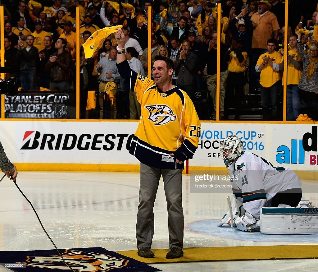 Former member of the Nashville Predators <a gi-track='captionPersonalityLinkClicked' href=/galleries/search?phrase=Steve+Sullivan&family=editorial&specificpeople=201723 ng-click='$event.stopPropagation()'>Steve Sullivan</a> waves a rally towel prior to Game Four of the Western Conference Second Round between the Nashville Predators and the San Jose Sharks during the 2016 NHL Stanley Cup Playoffs at Bridgestone Arena on May 5, 2016 in Nashville, Tennessee.