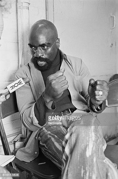 Former middleweight fighter Rubin 'Hurricane' Carter talks to a reporter inside Tenton State Prison 9/27 after the New Jersey Public Defender...