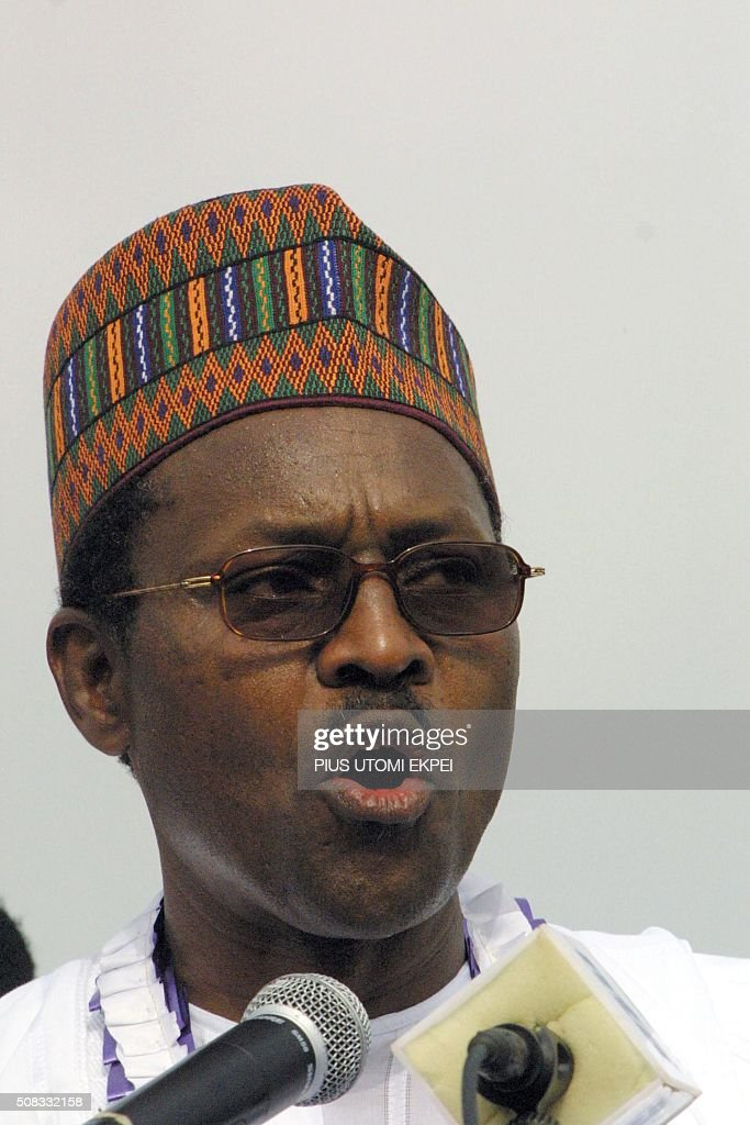 Former military dictator and presidential candidate of the All Nigerian People's Party, General Mohammed Buhari, chants the party's slogans 08 March 2003 at the party's maiden presidential rally in Port-Harcourt. Buhari, who ironically overthrew the elected civilian government of Shehu Shagari in December 31 1983, flagged off his campaign with the hope of returning to government in April 19 general elections. EKPEI