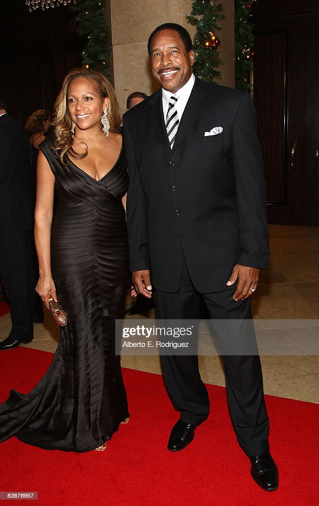 Former MLB player Dave Winfield (R) and wife Tonya Turner arrive at the 23rd annual American Cinematheque show honoring Samuel L. Jackson held at Beverly Hilton Hotel on December 1, 2008 in Beverly Hills, California.