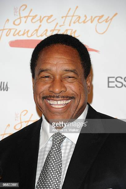 Former MLB player Dave Winfield attends the New York Gala benefiting The Steve Harvey Foundation at Cipriani Wall Street on May 3 2010 in New York...