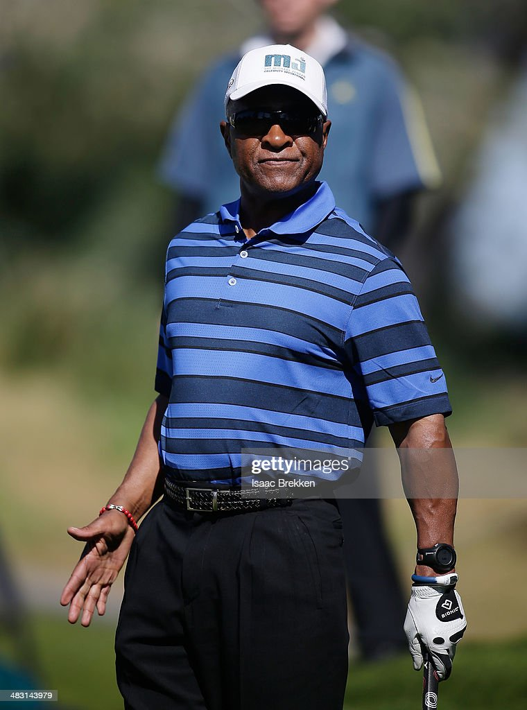 Former MLB player <a gi-track='captionPersonalityLinkClicked' href=/galleries/search?phrase=Ozzie+Smith&family=editorial&specificpeople=209214 ng-click='$event.stopPropagation()'>Ozzie Smith</a> watches his shot during Aria Resort & Casino's 13th Annual Michael Jordan Celebrity Invitational at Shadow Creek on April 6, 2014 in North Las Vegas, Nevada.