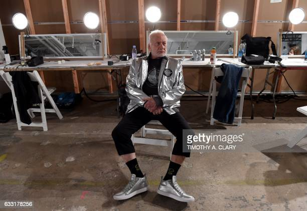 TOPSHOT Former NASA astronaut Buzz Aldrin lunar module pilot on Apollo 11 and second man to walk on the Moon relaxes backstage during the Nick Graham...