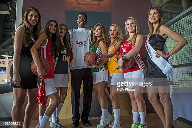 Former NBA player AC Green poses for pictures during the Coors Light Press Conference in Mexico City Mexico NOTE TO USER User expressly acknowledges...