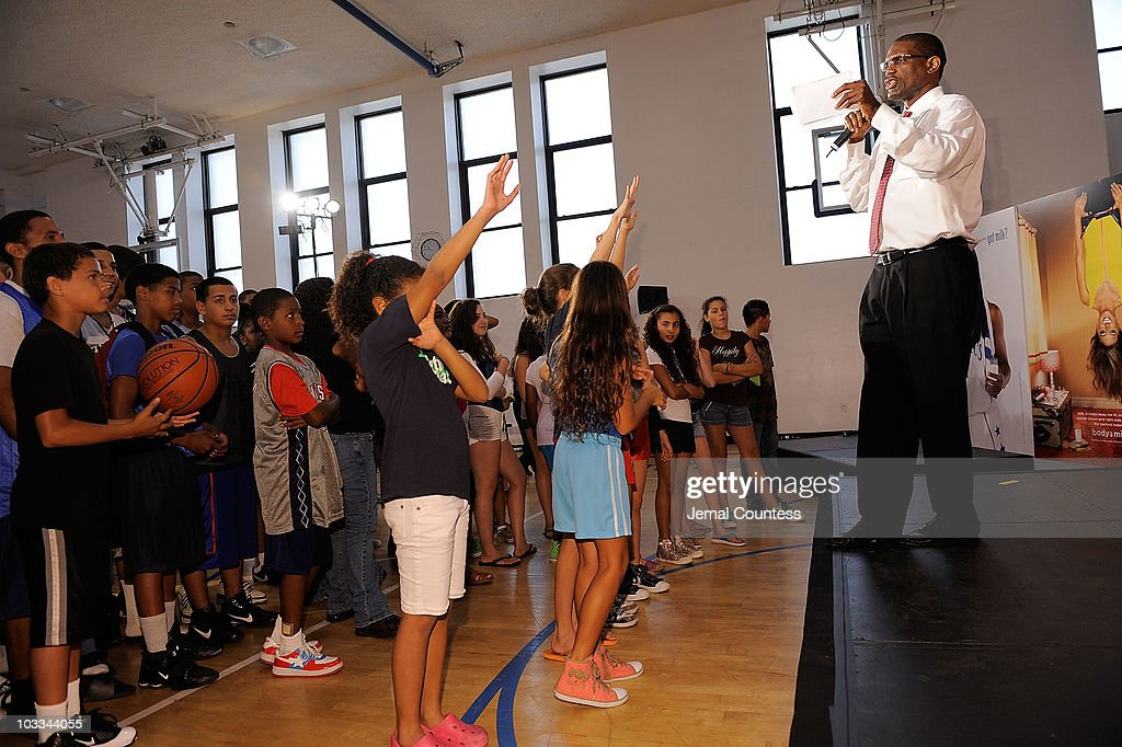 Former NBA player Albert King launches the Refuel America Program and unveils the newest Milk Mustache ads at the 92nd Street Y on August 11, 2010 in New York City. Gold medalists Chris Bosh, Apolo Anton Ohno and Shawn Johnson teamed up today to announce a new campaign highlighting the importance of refueling with lowfat chocolate milk during the two-hour recovery window after exercise.