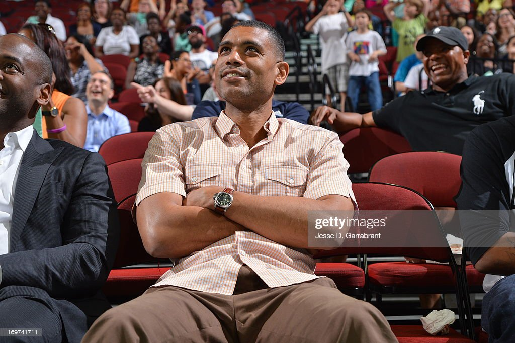 Former NBA player, <a gi-track='captionPersonalityLinkClicked' href=/galleries/search?phrase=Allan+Houston&family=editorial&specificpeople=202550 ng-click='$event.stopPropagation()'>Allan Houston</a>, attends the game between the Tulsa Shock and the New York Liberty on May 31, 2013 at Prudential Center in Newark, New Jersey.