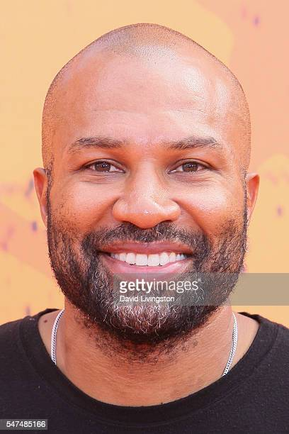 Former NBA player Derek Fisher arrives at the Nickelodeon Kids' Choice Sports Awards 2016 at the UCLA's Pauley Pavilion on July 14 2016 in Westwood...