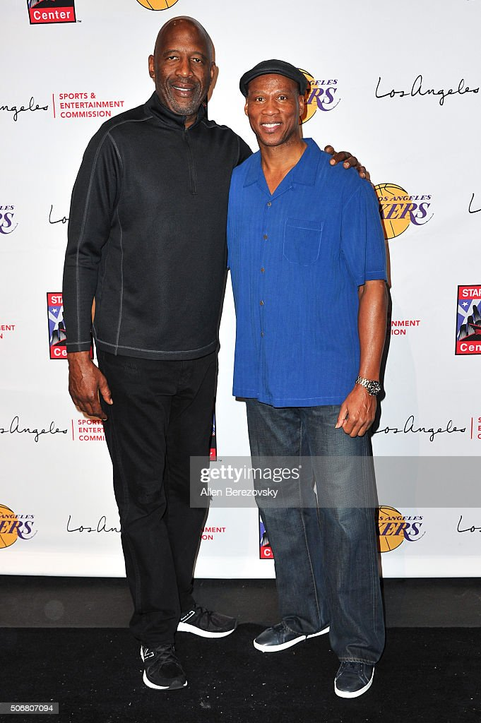 Former NBA player <a gi-track='captionPersonalityLinkClicked' href=/galleries/search?phrase=James+Worthy&family=editorial&specificpeople=212863 ng-click='$event.stopPropagation()'>James Worthy</a> (L) and Lakers' head coach <a gi-track='captionPersonalityLinkClicked' href=/galleries/search?phrase=Byron+Scott+-+Treinador+de+basquetebol&family=editorial&specificpeople=209087 ng-click='$event.stopPropagation()'>Byron Scott</a> attend the 12th Annual Lakers All-Access event at Staples Center on January 25, 2016 in Los Angeles, California.