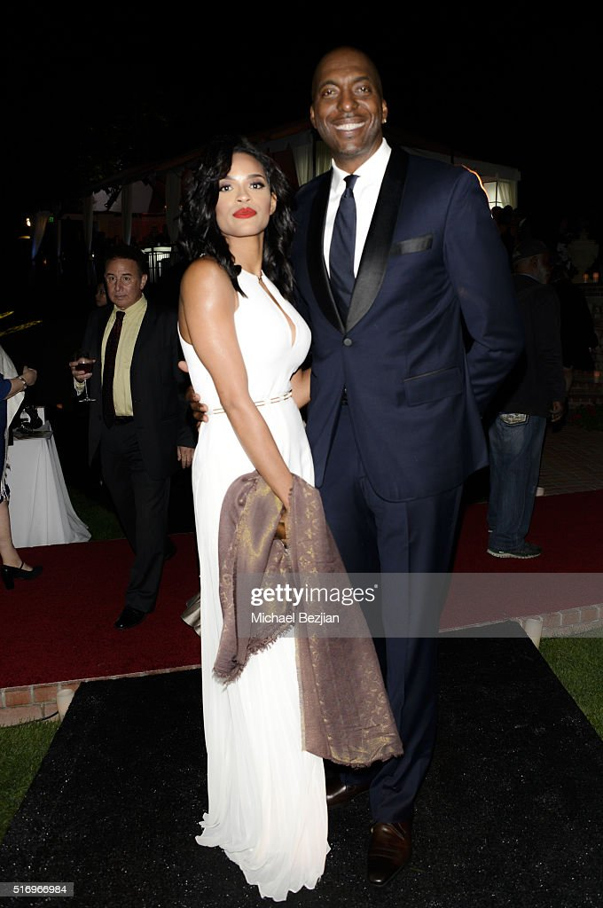 Former NBA player John Stalley (R) and Veronica Obeng at R.E.S.T.O.R.E: The Foundation For Reconstructive Surgery Charity Event on March 19, 2016 in Los Angeles, California.