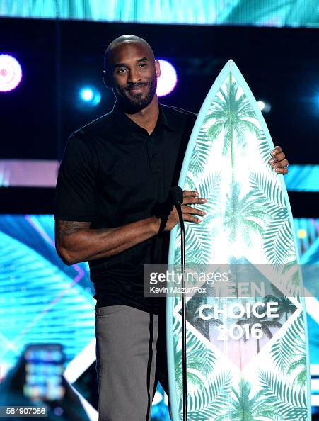 former-nba-player-kobe-bryant-speaks-onstage-during-teen-choice-2016-picture-id584907086