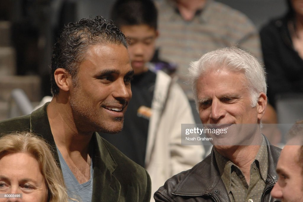 Former NBA player Rick Fox speaks with Actor Ted Danson prior to the game between the Boston Celtics and the Los Angeles Clippers at Staples Center on February 25, 2008 in Los Angeles, California.