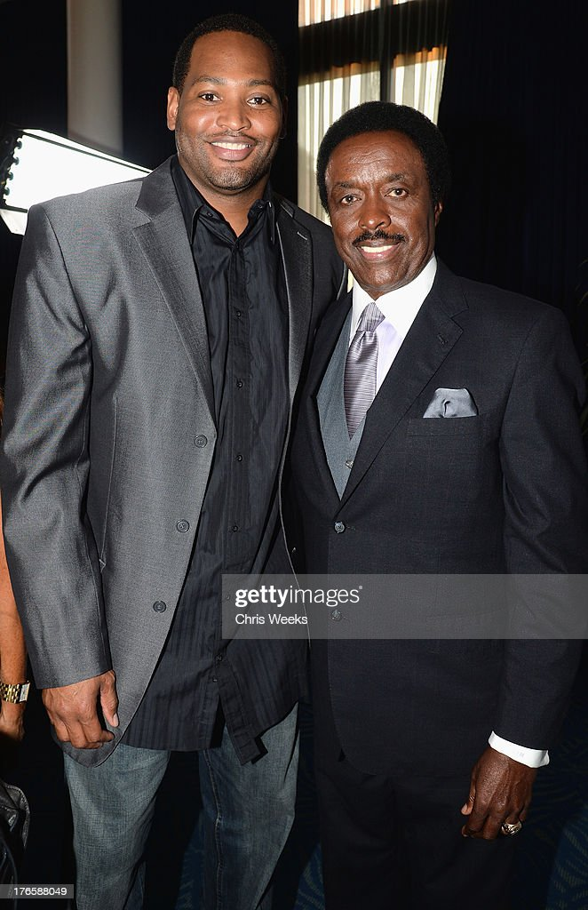 Former NBA player Robert Horry and sports anchor Jim Hill attend SPORTS SPECTACULAR KVBFF PRESENT KOBE UP CLOSE Hosted By Jimmy Kimmel at Club Nokia...