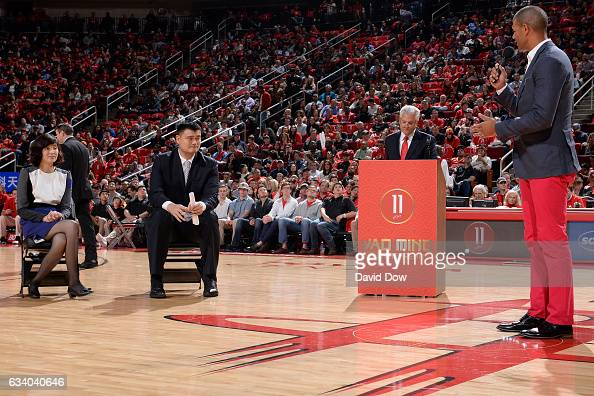 Former NBA player Shane Battier speaks to the crowd during the Yao Ming jersey retirement ceremony during the Chicago Bulls game against the Houston...