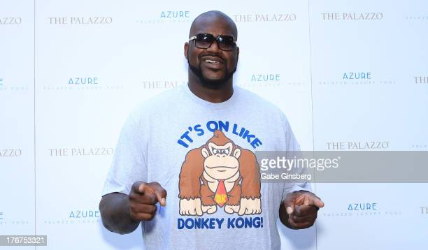 Former NBA player Shaquille O'Neal arrives at the Azure Luxury Pool at The Palazzo Las Vegas on August 18 2013 in Las Vegas Nevada