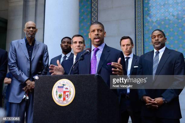 Former NBA players Kareem AbdulJabbar Roger Mason Los Angeles Mayor Eric Garcetti Sacramento Mayor Kevin Johnson Los Angeles Lakers Steve Nash and...