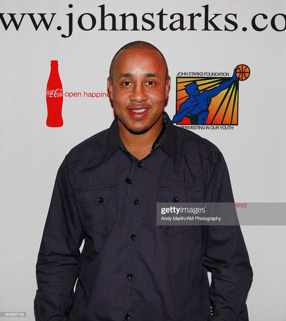 willis posts up pictures getty images former new york knicks guard john starks poses for a photo during the john starks foundation