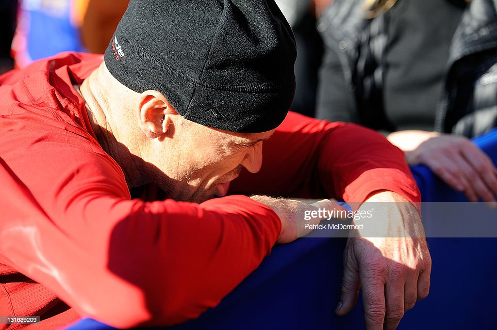 Former New York Ranger Mark Messier reacts after finishing the the 42nd ING New York City Marathon on November 6, 2011 in New York City.
