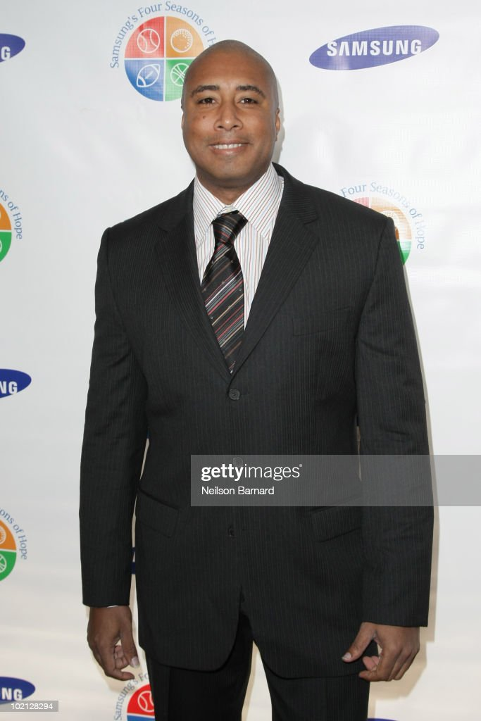 Former New York Yankee <a gi-track='captionPersonalityLinkClicked' href=/galleries/search?phrase=Bernie+Williams&family=editorial&specificpeople=175814 ng-click='$event.stopPropagation()'>Bernie Williams</a> attends Samsung's 9th Annual Four Seasons of Hope Gala at Cipriani Wall Street on June 15, 2010 in New York City.