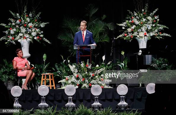 Former NFL and University of Tennessee quarterback Peyton Manning speaks as emcee Robin Roberts looks on during a ceremony to celebrate the life of...
