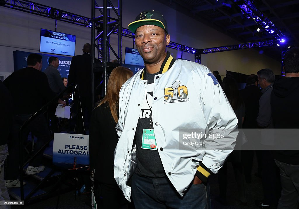 Former NFL player <a gi-track='captionPersonalityLinkClicked' href=/galleries/search?phrase=Carl+Banks&family=editorial&specificpeople=591658 ng-click='$event.stopPropagation()'>Carl Banks</a> visits the SiriusXM set at Super Bowl 50 Radio Row at the Moscone Center on February 5, 2016 in San Francisco, California.