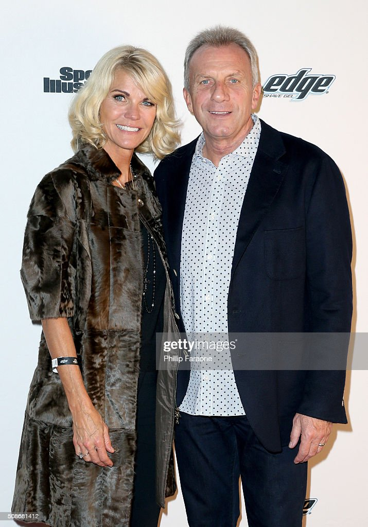 Former NFL player <a gi-track='captionPersonalityLinkClicked' href=/galleries/search?phrase=Joe+Montana&family=editorial&specificpeople=206967 ng-click='$event.stopPropagation()'>Joe Montana</a> (R) and Jennifer Montana attend the Sports Illustrated Experience Friday Night Party on February 5, 2016 in San Francisco, California.