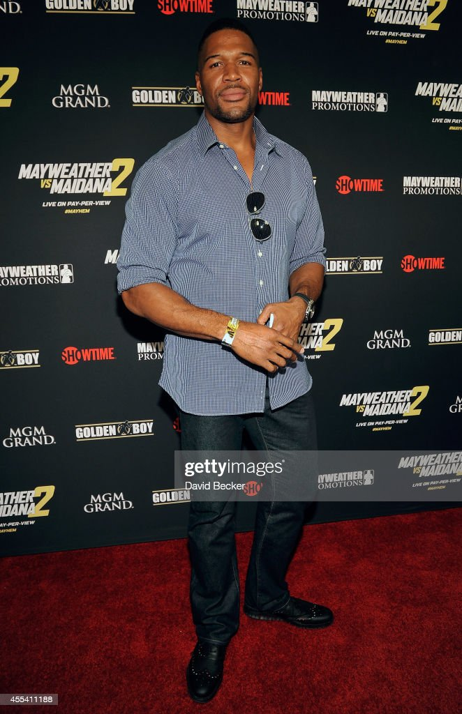 Former NFL player <a gi-track='captionPersonalityLinkClicked' href=/galleries/search?phrase=Michael+Strahan&family=editorial&specificpeople=210563 ng-click='$event.stopPropagation()'>Michael Strahan</a> arrives at Showtime's VIP prefight party for 'Mayhem: Mayweather vs. Maidana 2' at the MGM Grand Garden Arena on September 13, 2014 in Las Vegas, Nevada.
